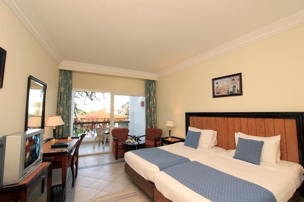 ميلتون بيتش ريزورت (Melton Beach Resort)
