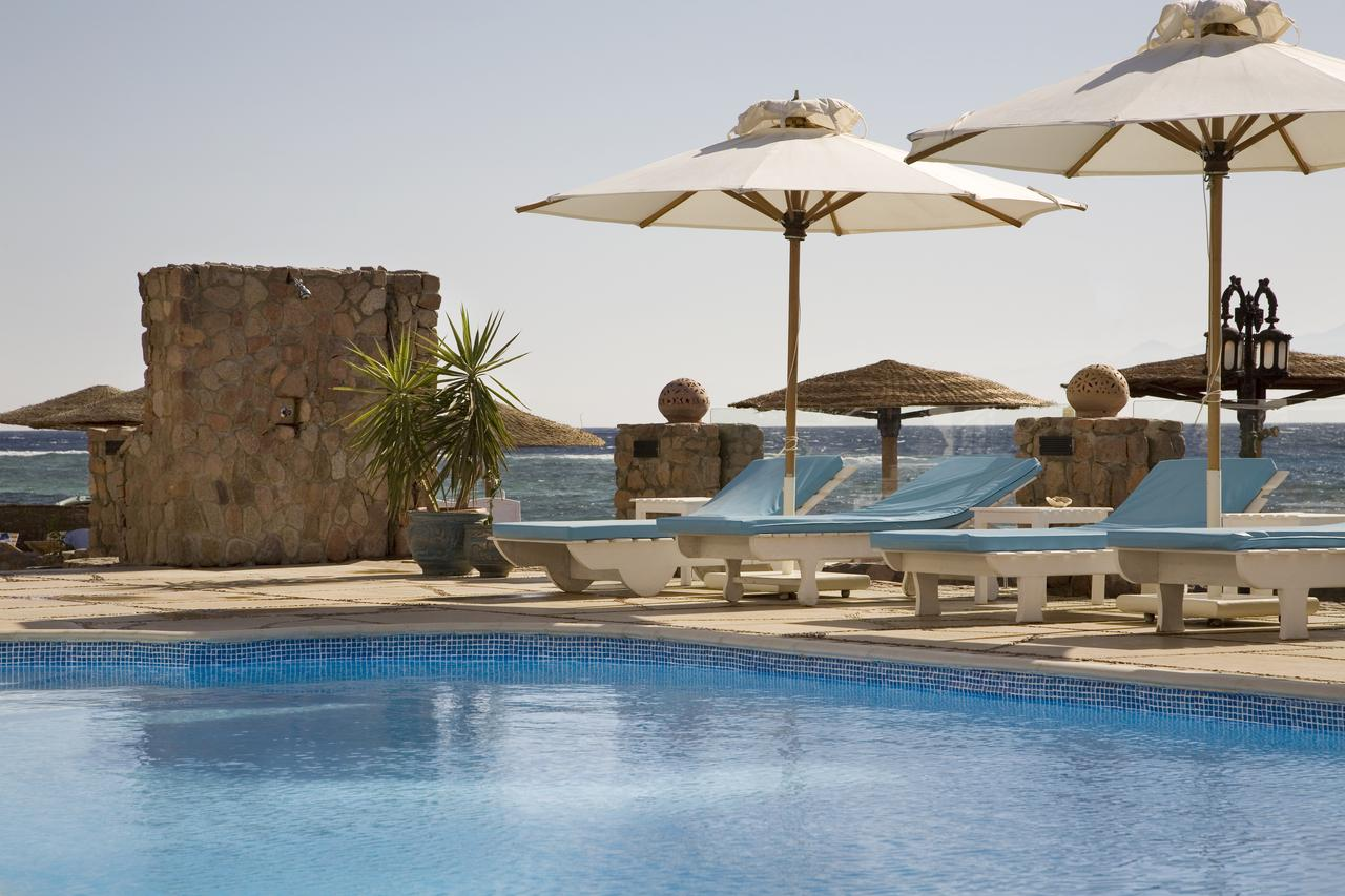 فندق كورال كوست ( Coral Coast Hotel)